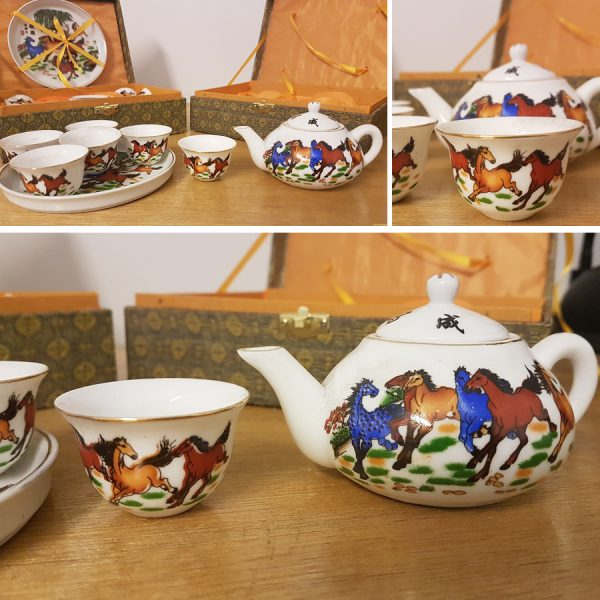mini horse tea set