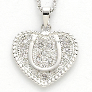 Silver_Heart_Horseshoe_Necklace_6034