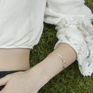 Sparkly Stirrup Bracelet